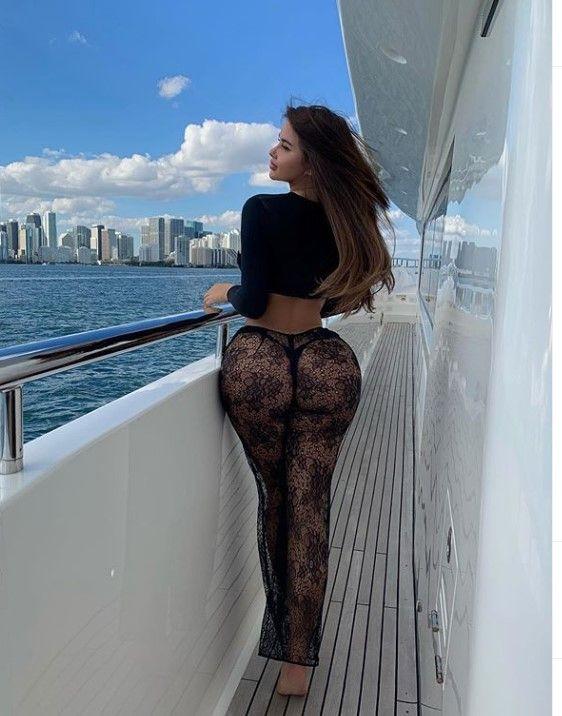 Rus 'Kardashian'dan olay pozlar! - Sayfa 22