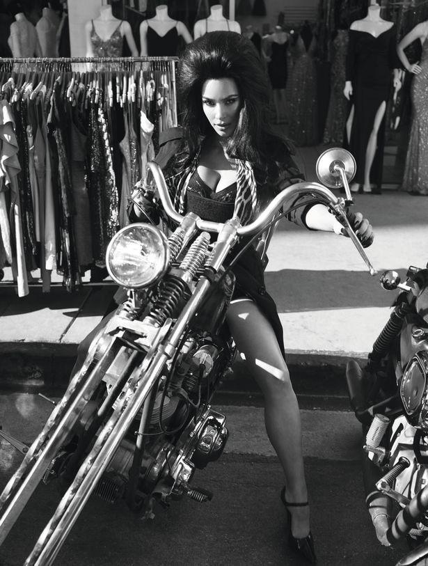 Kim Kardashian, Cher ve Naomi Campbell'den büyüleyen fotoğraflar! - Sayfa 1