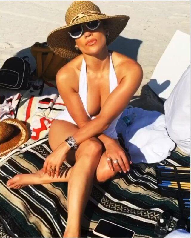Jennifer Lopez plajdan paylaştı! Beğeni yağdı - Sayfa 3