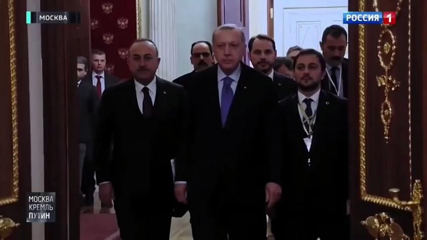Ruslardan büyük saygısızlık! Putin, Erdoğan ve heyetini böyle bekletmiş!