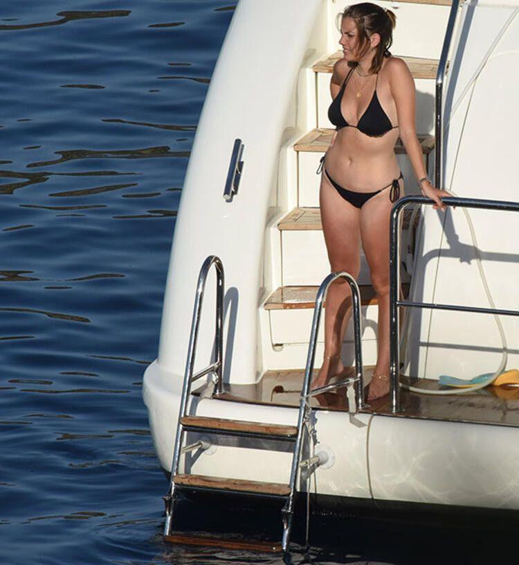 Eda Ece yeni yaşını teknede kutladı - Sayfa 3