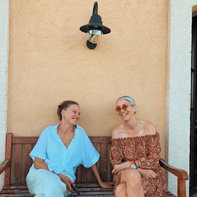 Serenay Sarıkaya 'Analı-kızlı' notuyla fotoğraf paylaştı - Sayfa 2