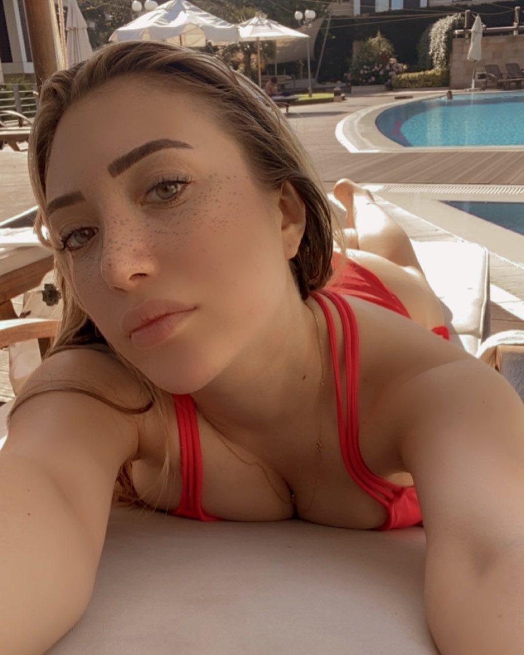 Yasmin Erbil kırmızı bikinisiyle dikkat çekti - Sayfa 1