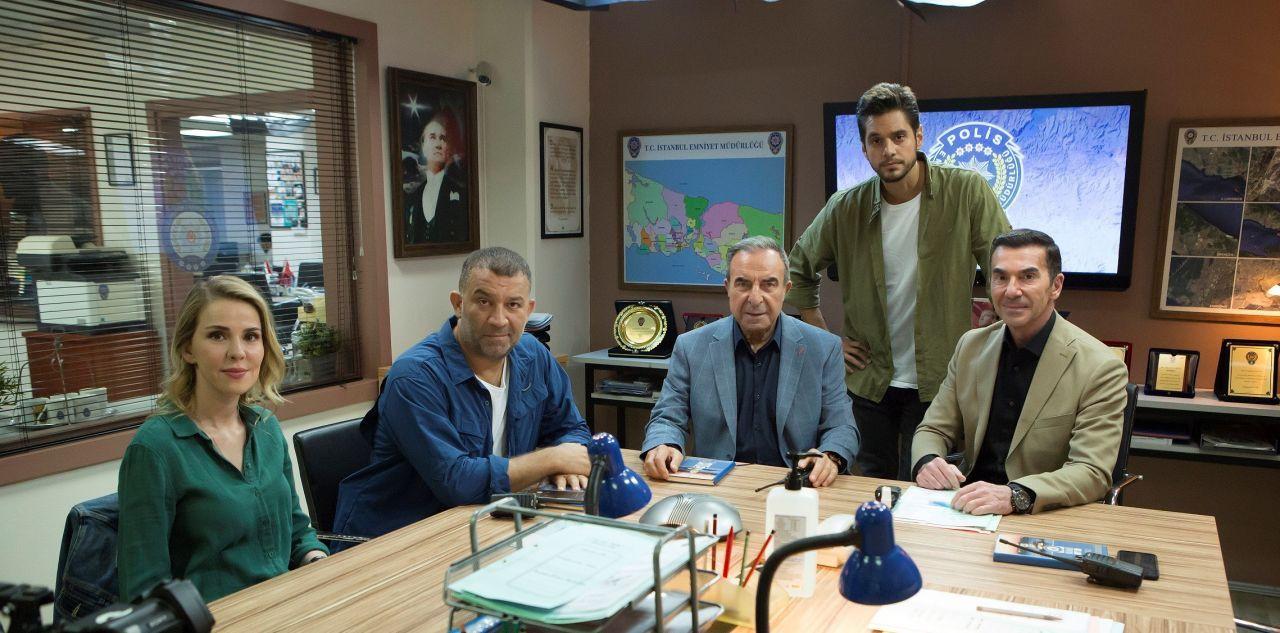 Arka Sokaklar kadrosuna üç yeni oyuncu! 15. sezondan ilk kareler paylaşıldı - Sayfa 2