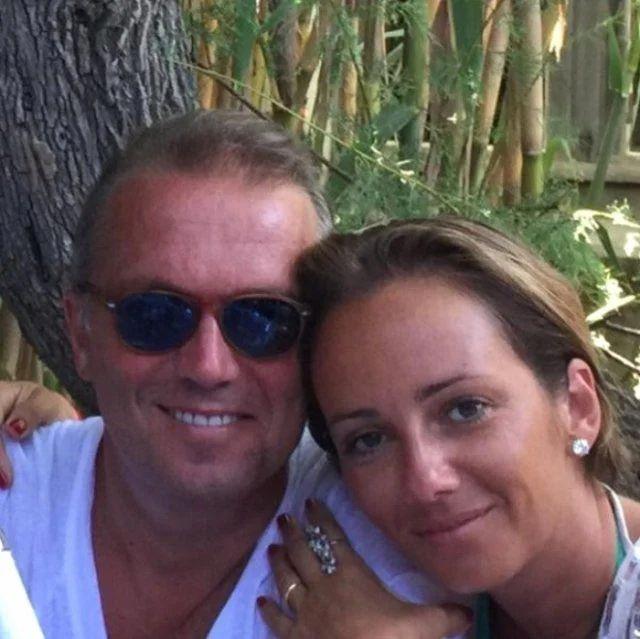 Cem Uzan 'azgın teke sendromu'na yakalandı! 40 yaşındaki karısını sosyetik güzelle aldattı! - Sayfa 10