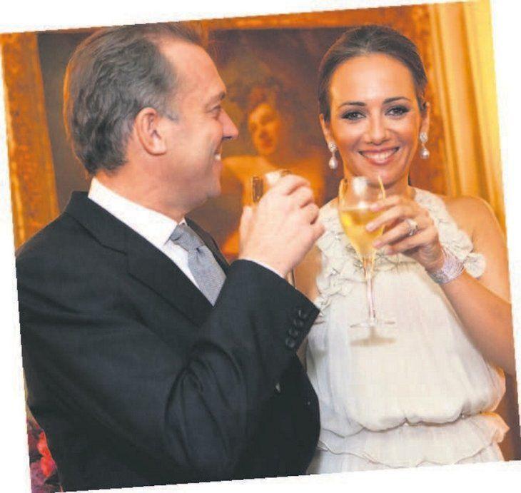 Cem Uzan'ın Gabriele Tevainyte ile yasak aşkı kısa sürdü! 27 yaşındaki modelle.... - Sayfa 1
