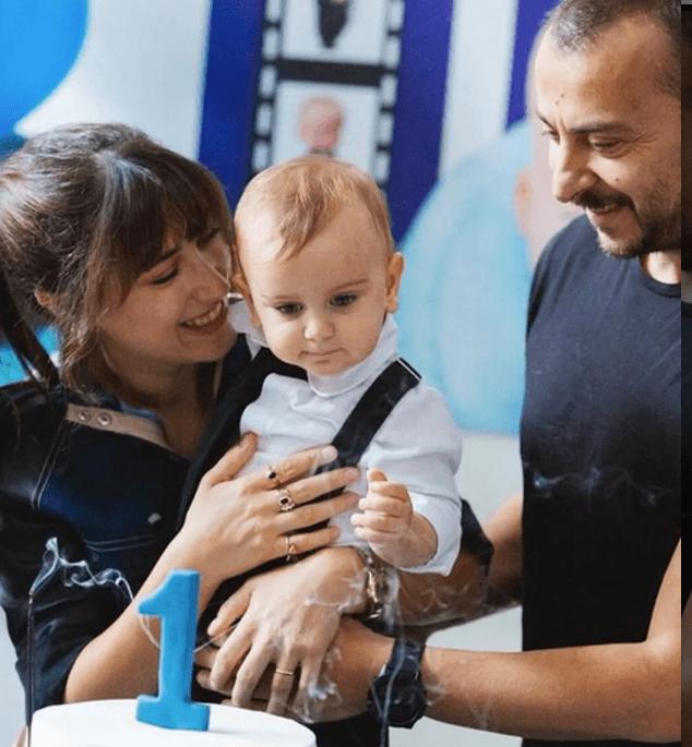 Hazal Kaya'dan Fikret Ali'ye ilginç parti: 'Patron bebek 1 yaşında' - Sayfa 3