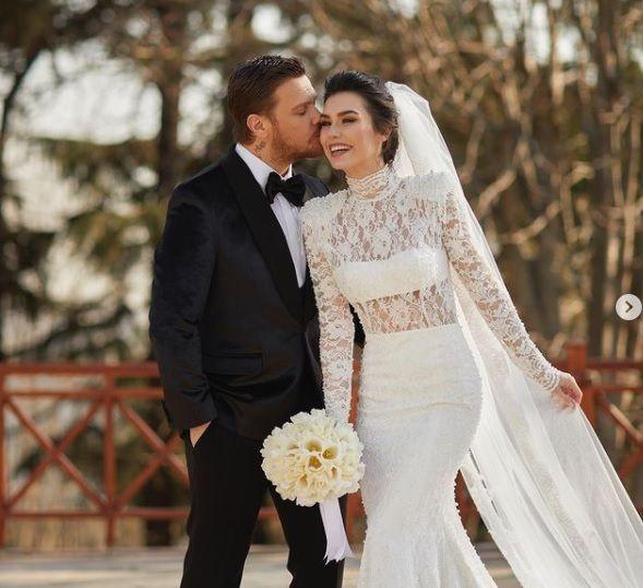 Burcu Kıratlı ile Sinan Akçıl yeniden evlendi - Sayfa 1