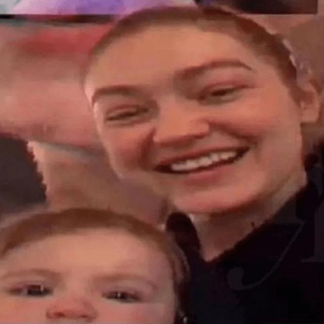 Gigi Hadid'in bebeğinden ilk fotoğraf! Yanlışlıkla paylaştı, hemen sildi! - Sayfa 2