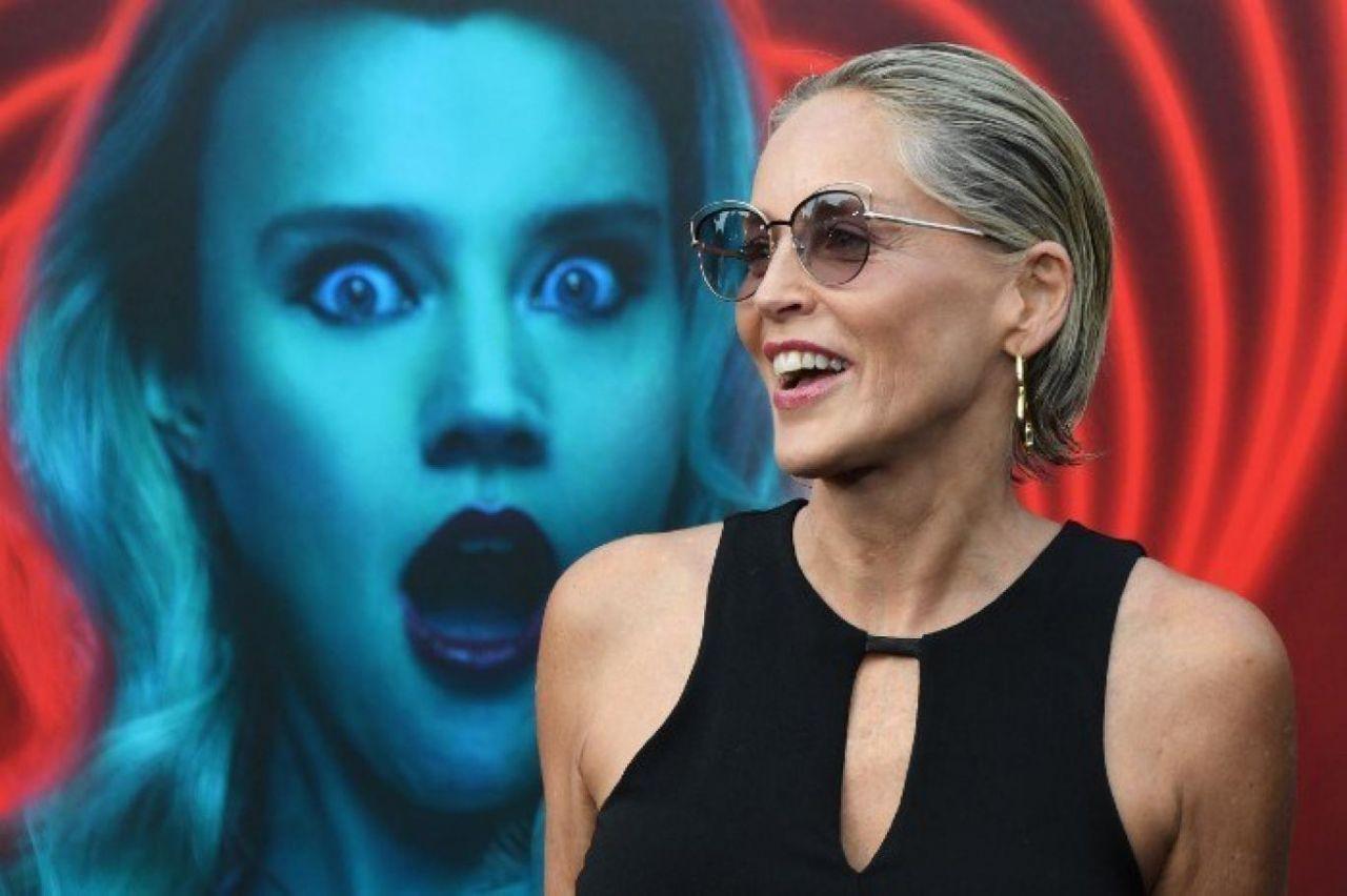 """Sharon Stone'yi şoke eden olay! """"Doktor izin almadan göğüslerimi..."""" - Sayfa 3"""