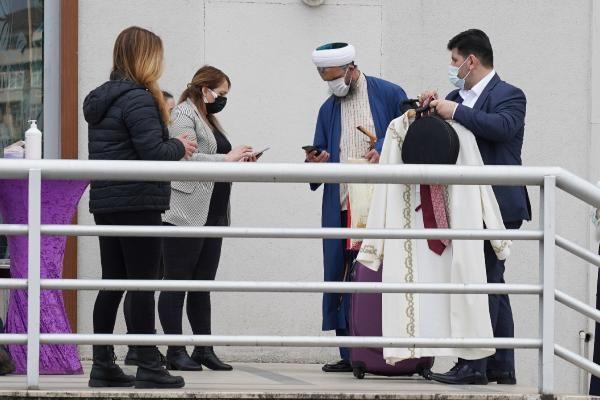 Bakanlığın tedbirleri hiçe sayıldı! Cübbeli Ahmet'ten kızına büyük düğün - Sayfa 8