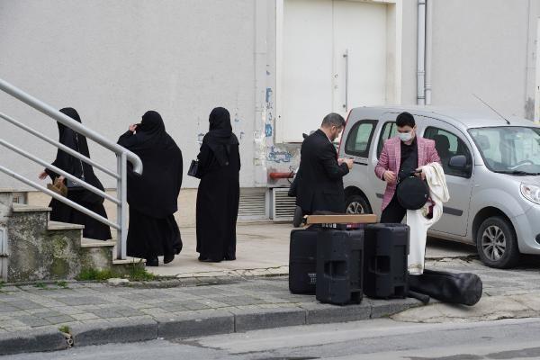 Bakanlığın tedbirleri hiçe sayıldı! Cübbeli Ahmet'ten kızına büyük düğün - Sayfa 17