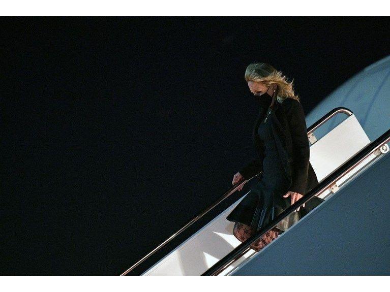 First Lady'nin kıyafeti tartışma konusu oldu! ABD'yi böldü! - Sayfa 1