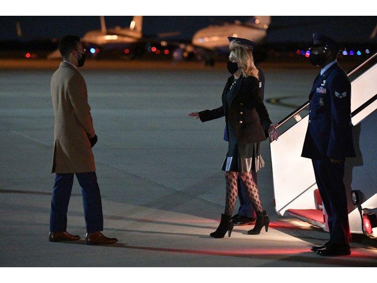 First Lady'nin kıyafeti tartışma konusu oldu! ABD'yi böldü! - Sayfa 2