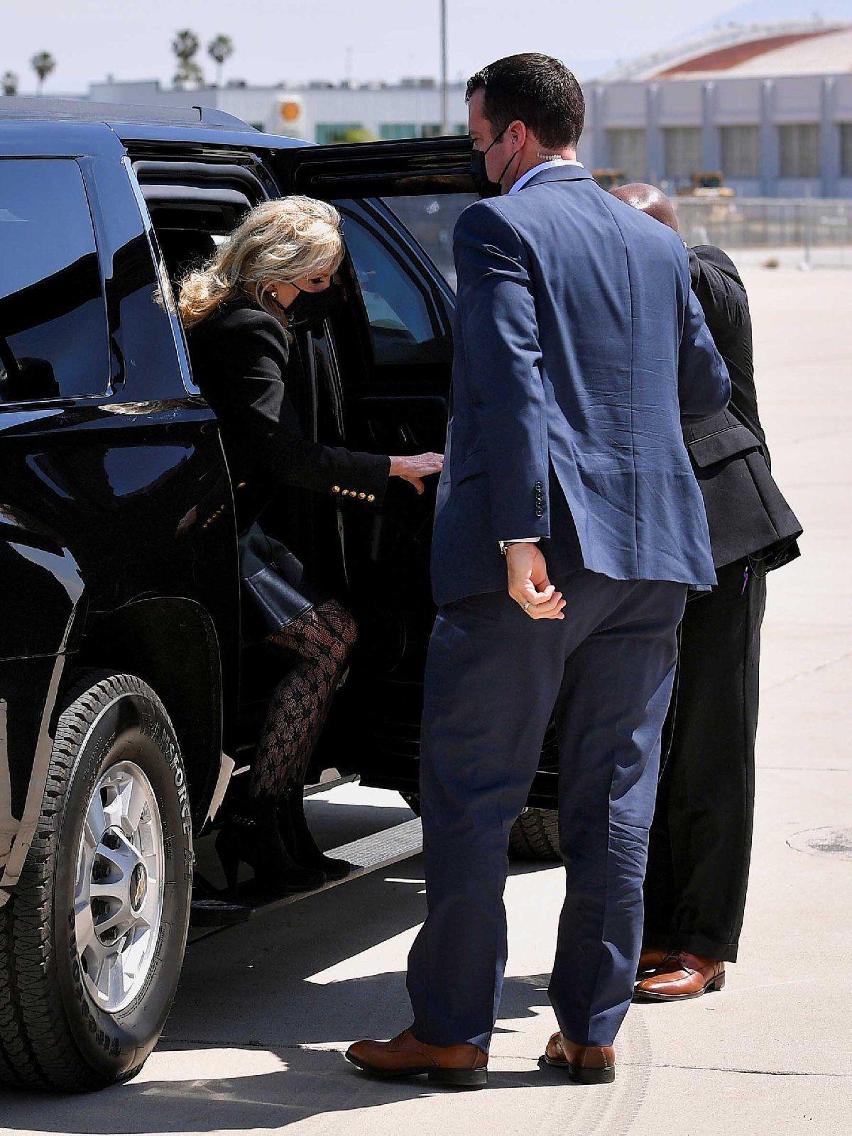First Lady'nin kıyafeti tartışma konusu oldu! ABD'yi böldü! - Sayfa 4