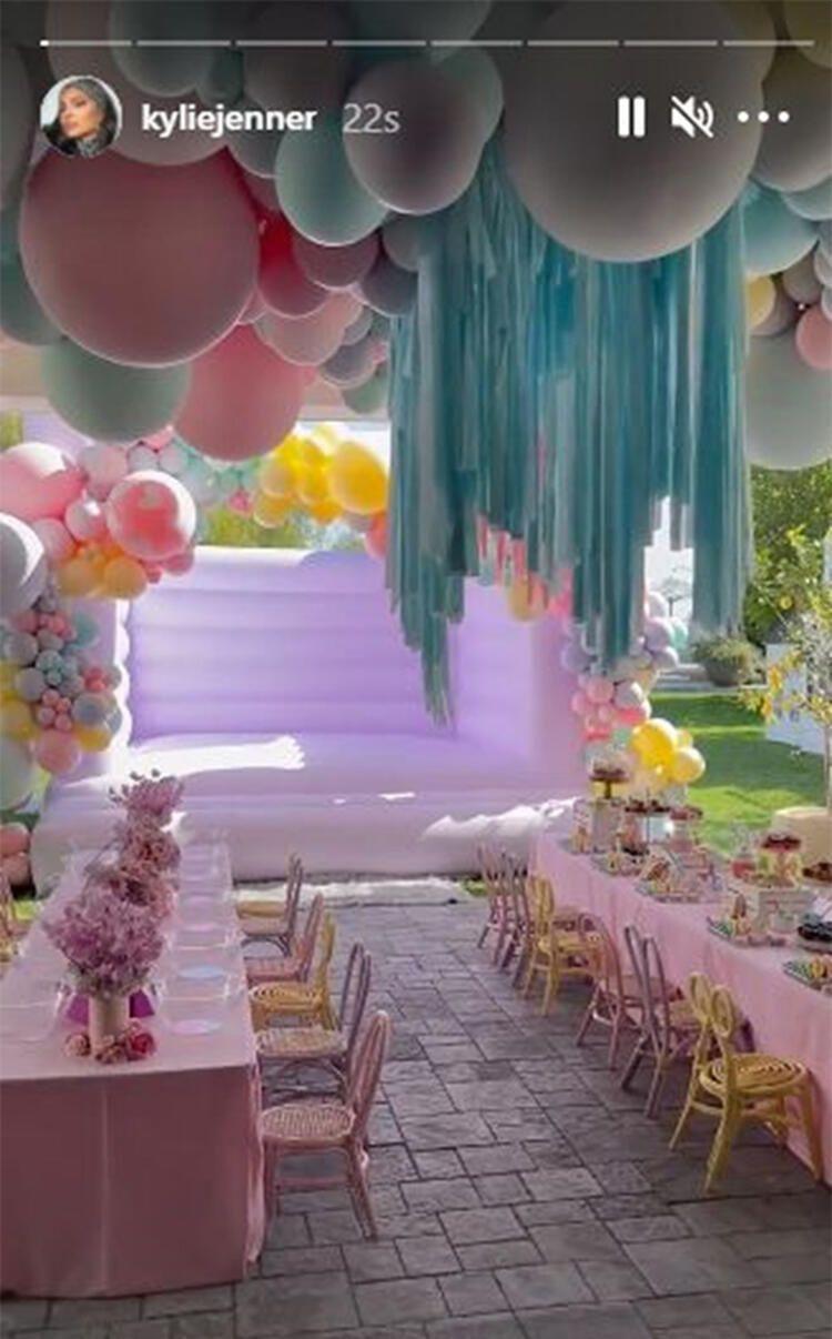 Khloe Kardashian'dan kızına gösterişli doğum günü partisi - Sayfa 2