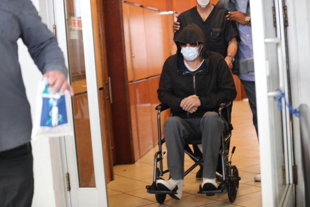 Gizlenmeye çalışsa da kameralara yakalandı! Ünlü oyuncu tekerlekli sandalyeye düştü - Sayfa 4