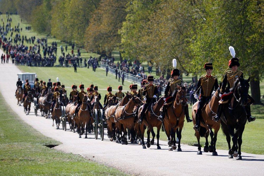 Kraliyet Prens Philip'i son yolculuğuna uğurladı! İşte törenden dikkat çeken detaylar - Sayfa 4