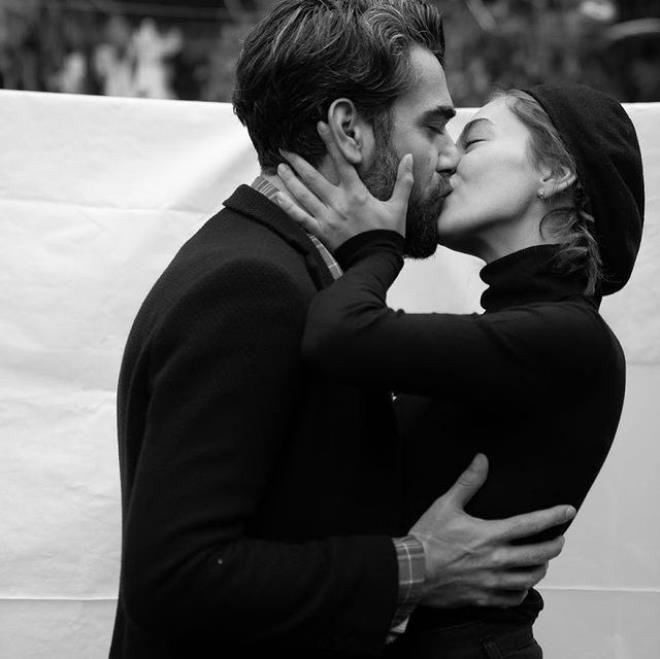 Neslihan aşka geldi! Eşiyle dudak dudağa pozu olay oldu - Sayfa 4