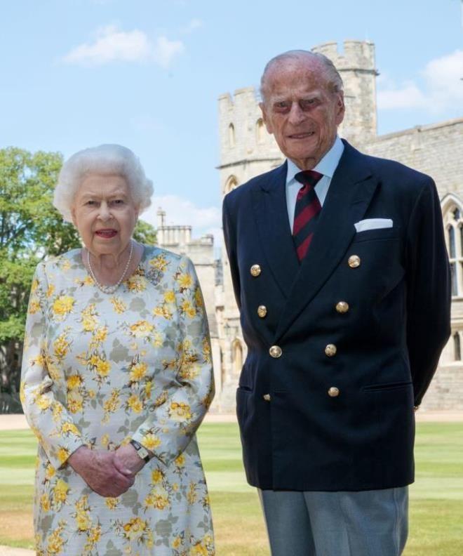 Geçtiğimiz günlerde eşini kaybeden Kraliçe'nin son hâli şaşırttı - Sayfa 2