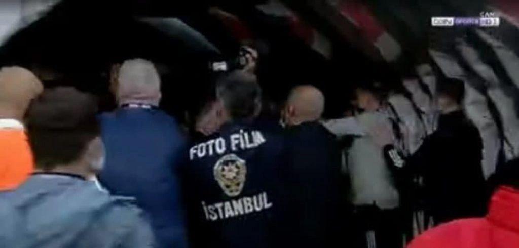 Maç sonu gözaltı! Kavgaya karışan Beşiktaşlı yıldızın menajeri karakola götürüldü - Sayfa 2