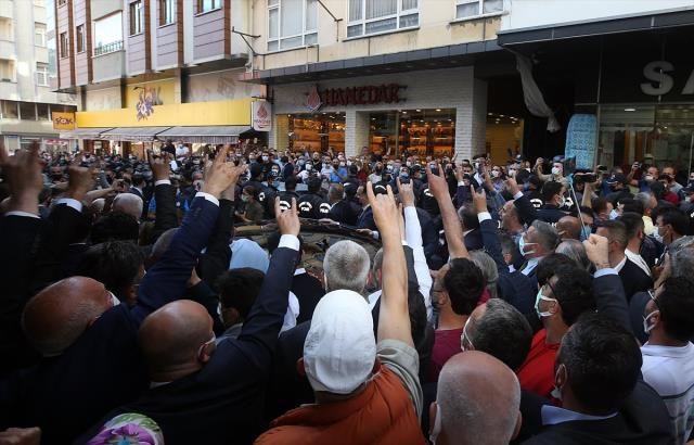 Akşener'e İkizdere'nin ardından Çayeli'nde de protesto! Domates ve su şişeleri atıldı - Sayfa 2