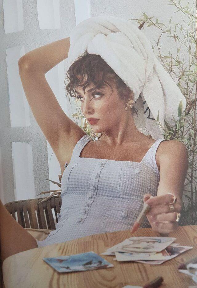 Hande Erçel'den Vogue dergisine olay pozlar! - Sayfa 2