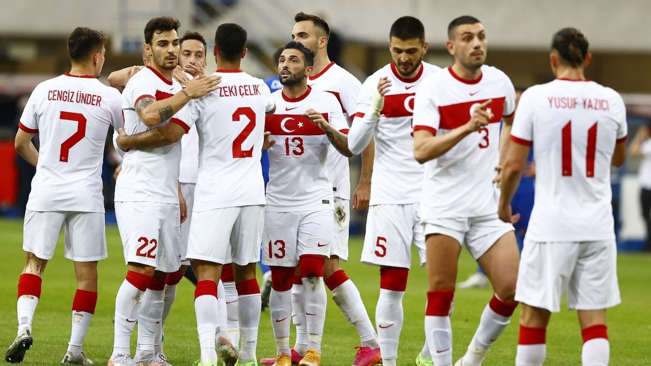 EURO 2020'nin en kötü 11'i açıklandı! Listede 2 Türk var… - Sayfa 1