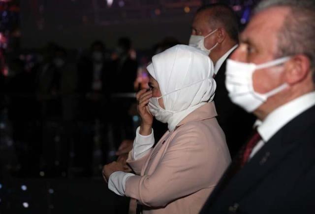 Demokrasi Müzesi'nde duygu dolu anlar! Erdoğan çifti gözyaşlarına hâkim olamadı - Sayfa 2