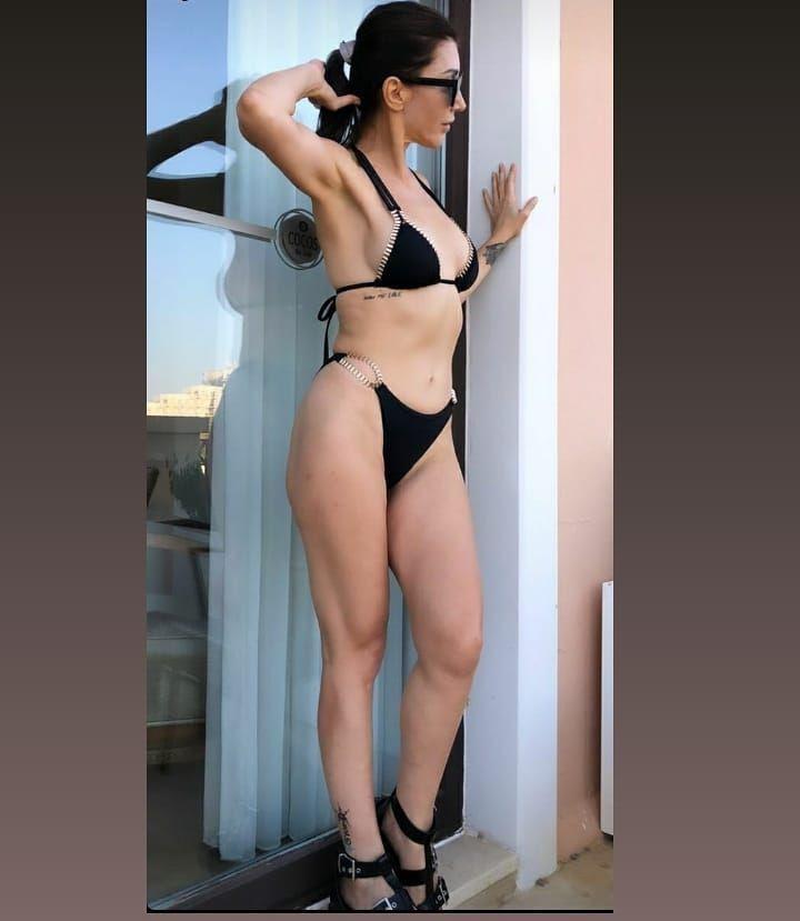 Hande Yener bikinili pozuyla ağızları açık bıraktı! Adeta gençlere taş çıkarttı… - Sayfa 4