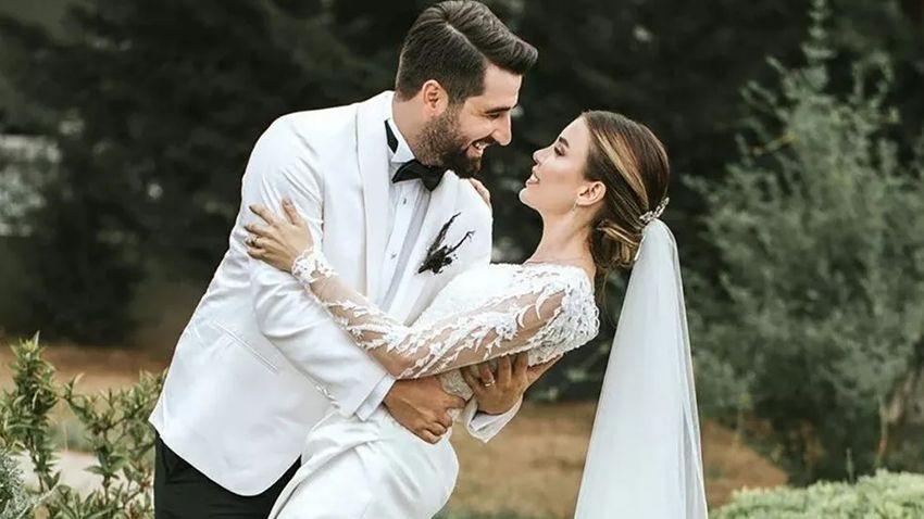 'Biz evlendik' notuyla duyurdu Nikâhtan kareleri paylaştı - Sayfa 1