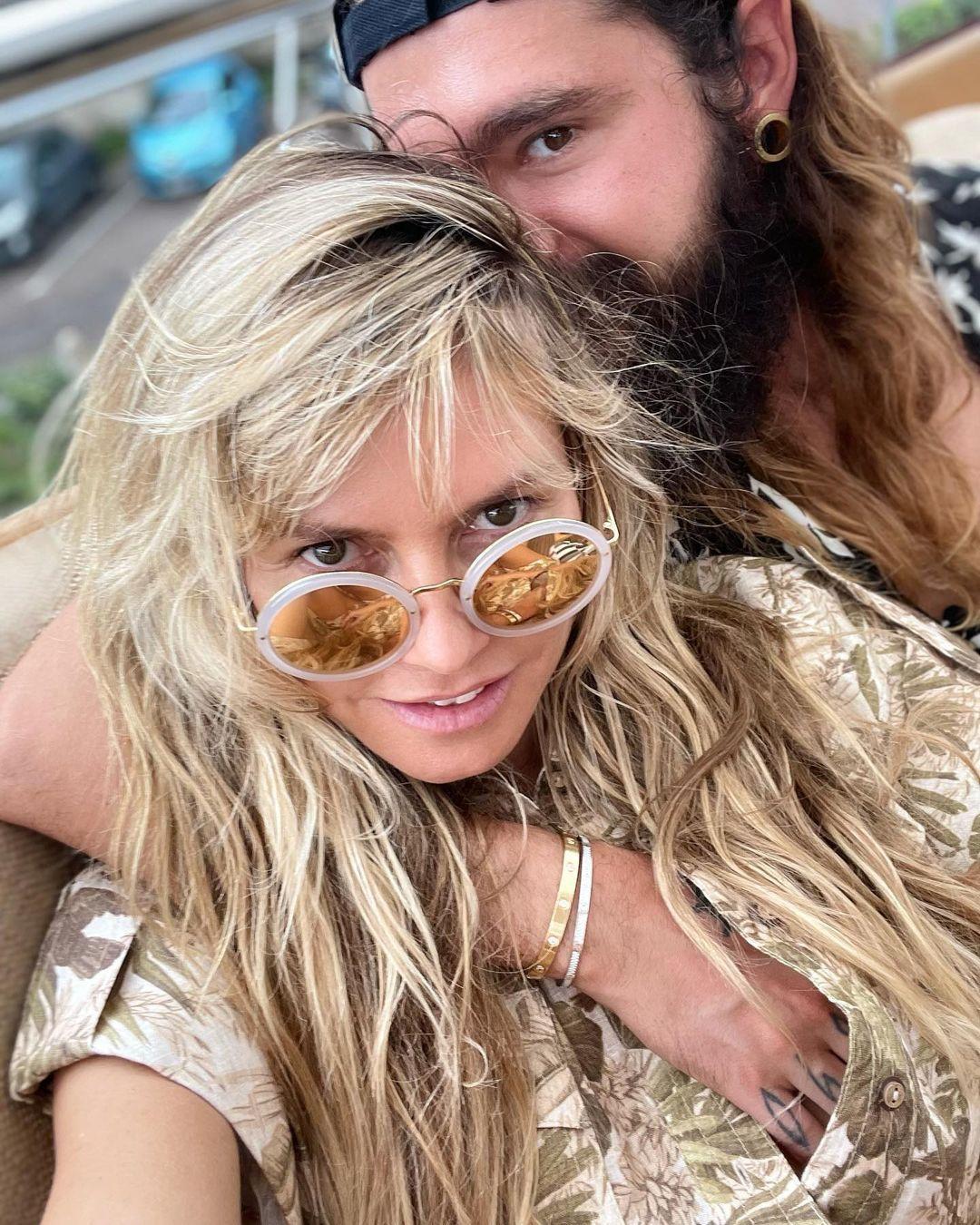 Heidi Klum denize üstsüz girdi! Eşi fotoğraflarını çekti... - Sayfa 1