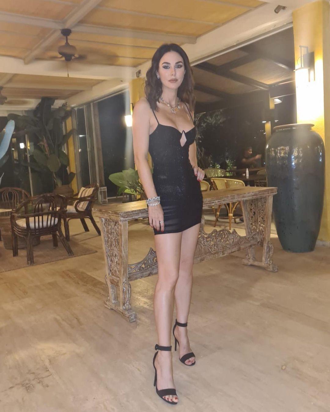 Defne Samyeli'nin transparan elbisesi olay oldu! Bir bakan bir daha baktı... - Sayfa 5