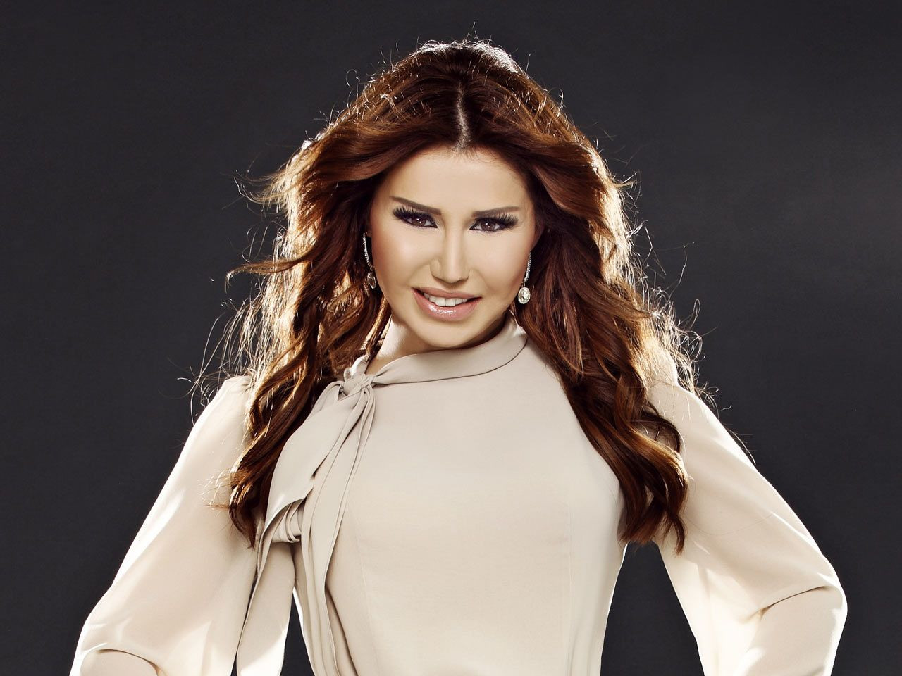 Ceylan'ın büyük değişimi! 47 yaşındaki şarkıcıyı görenler tanıyamıyor! - Sayfa 4