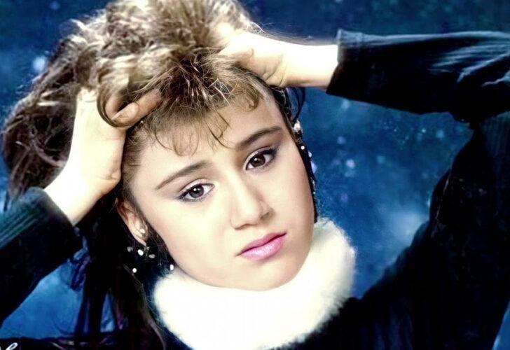 Ceylan'ın büyük değişimi! 47 yaşındaki şarkıcıyı görenler tanıyamıyor! - Sayfa 1