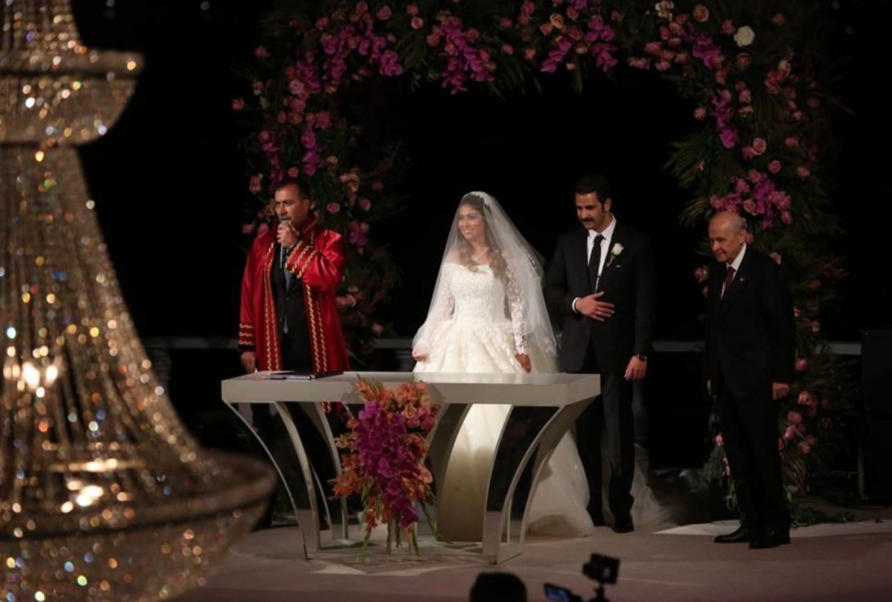 MHP bu fotoğrafları paylaştı: Aydın Doğan, Binali Yıldırım ve Devlet Bahçeli ile aynı masada! - Sayfa 1