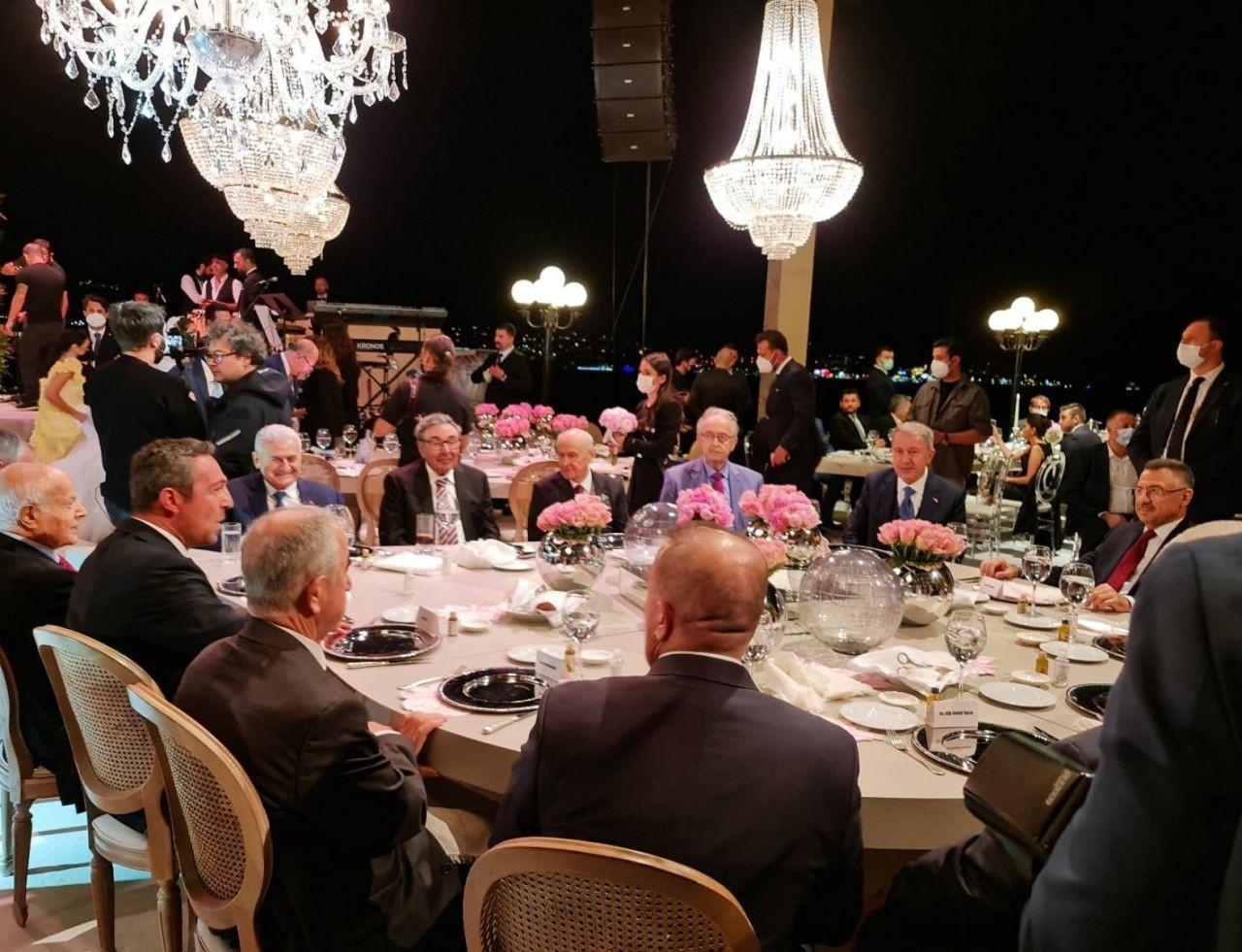 MHP bu fotoğrafları paylaştı: Aydın Doğan, Binali Yıldırım ve Devlet Bahçeli ile aynı masada! - Sayfa 4
