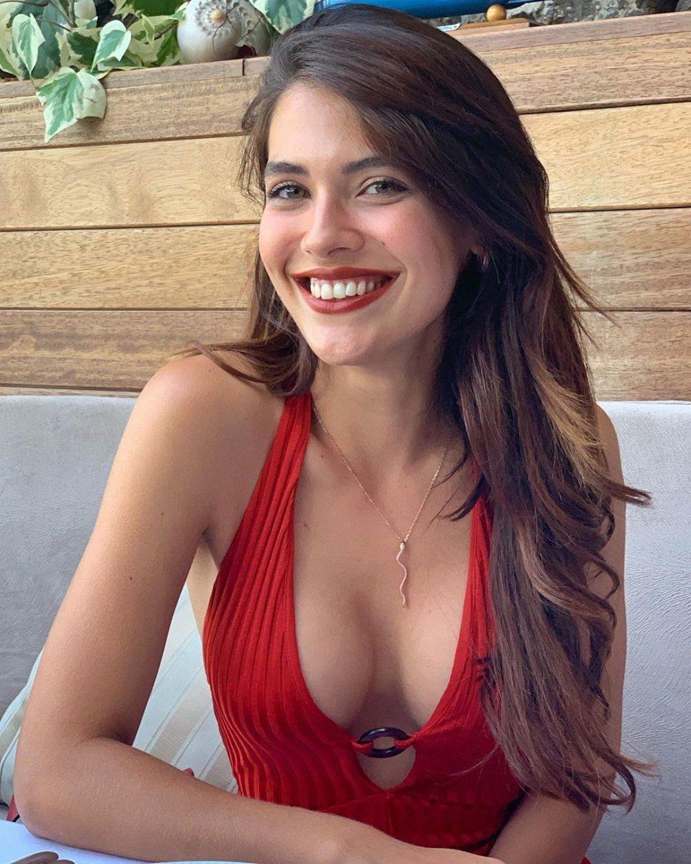 Sevilen diziye katıldı! Yasmin Erbil'in karavan pozları nefes kesti! - Sayfa 4