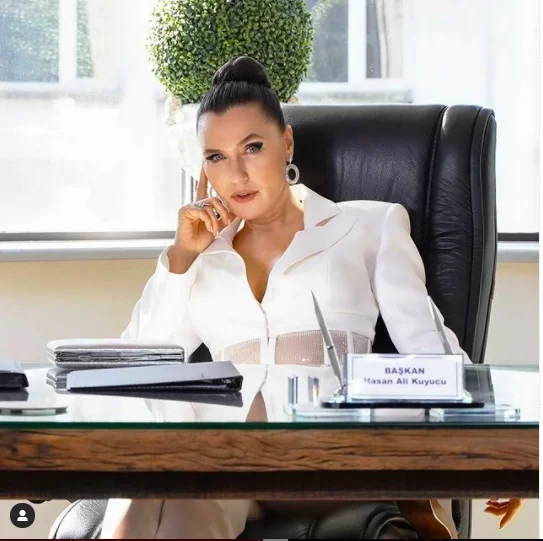 Yasak Elma dizi seti alev aldı! Yasmin Erbil'in karavan pozları yıktı geçti! - Sayfa 2