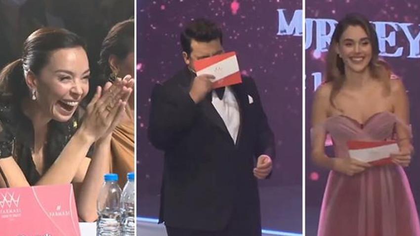 Miss Turkey 2021'de Berfu Yenenler'in sözleri salonu kahkahaya boğdu!