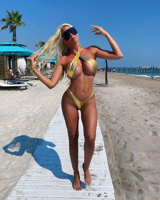 Tosic'in eski eşi Jelena Karleusa'dan olay paylaşım! Pembe bikinisiyle... - Sayfa 14