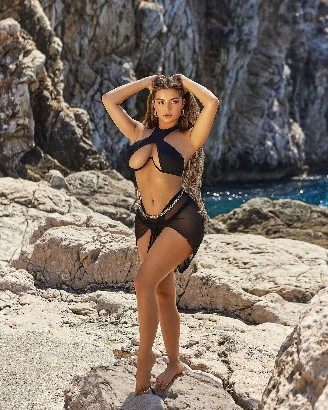Demi Rose yine yürek hoplattı... Turuncu bikinisiyle hayranlarını mest etti! - Sayfa 3