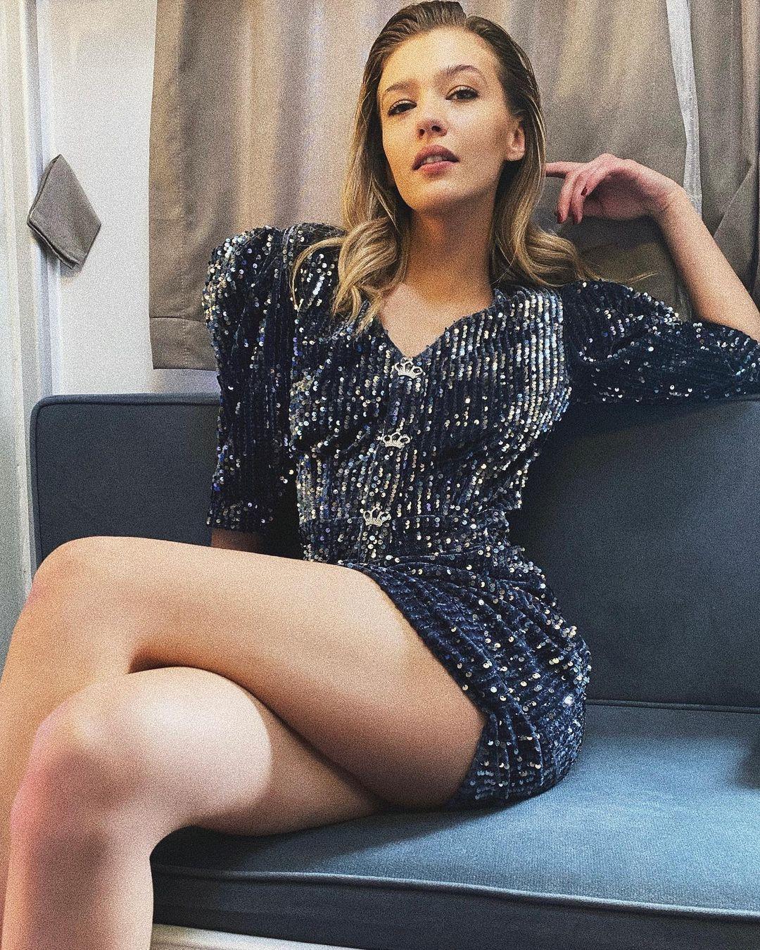 Aşk Mantık İntikam'ın Çağla'sı Melisa Döngel derin göğüs dekolteli poz! Instagram'ı yaktı geçti... - Sayfa 4