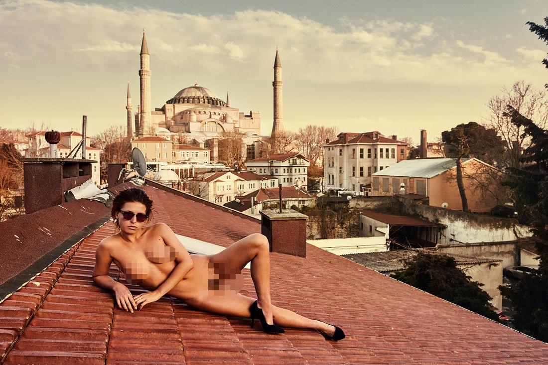 Gittiği her ülkede tutuklandı! Ünlü manken Türkiye'yi çırılçıplak dolaştı - Sayfa 2
