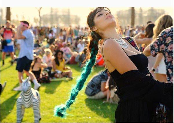 Hande Erçel'in Coachella coşkusu - Sayfa 1