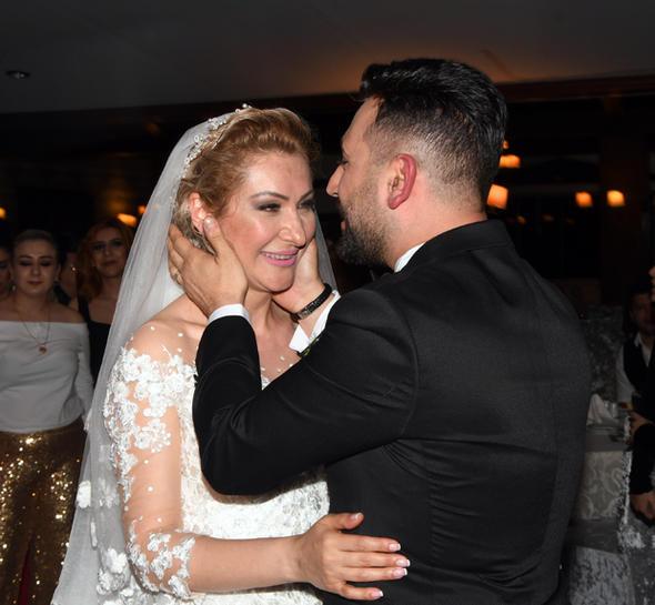 Ünlü oyuncu evlendi! - Sayfa 3