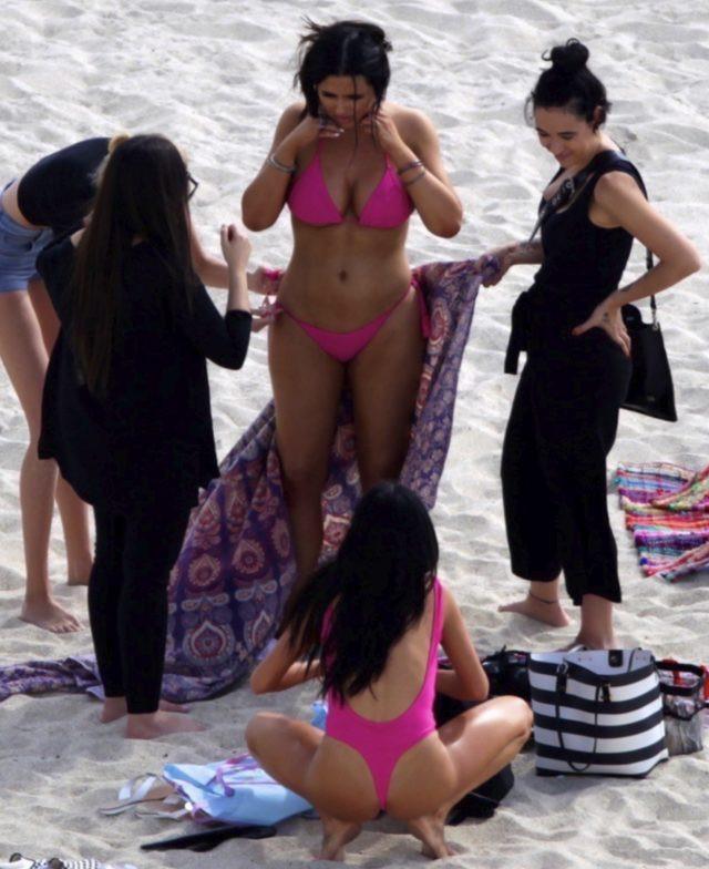 Mayosunu tersten giydi! Plajda yürek hoplattı! - Sayfa 2