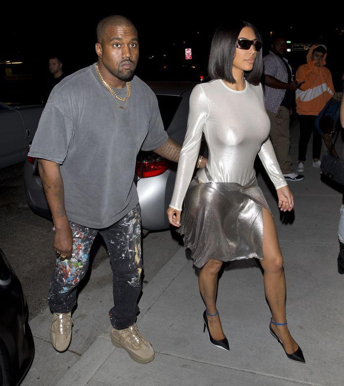 Kim Kardashian flaşların azizliğine uğradı - Sayfa 2