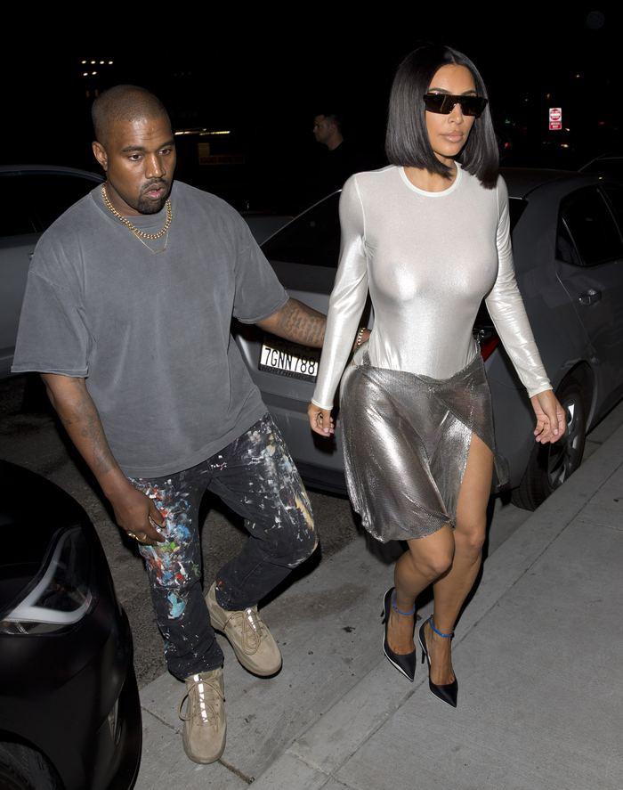 Kim Kardashian flaşların azizliğine uğradı - Sayfa 3